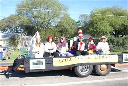 Lytle Homecoming Parade